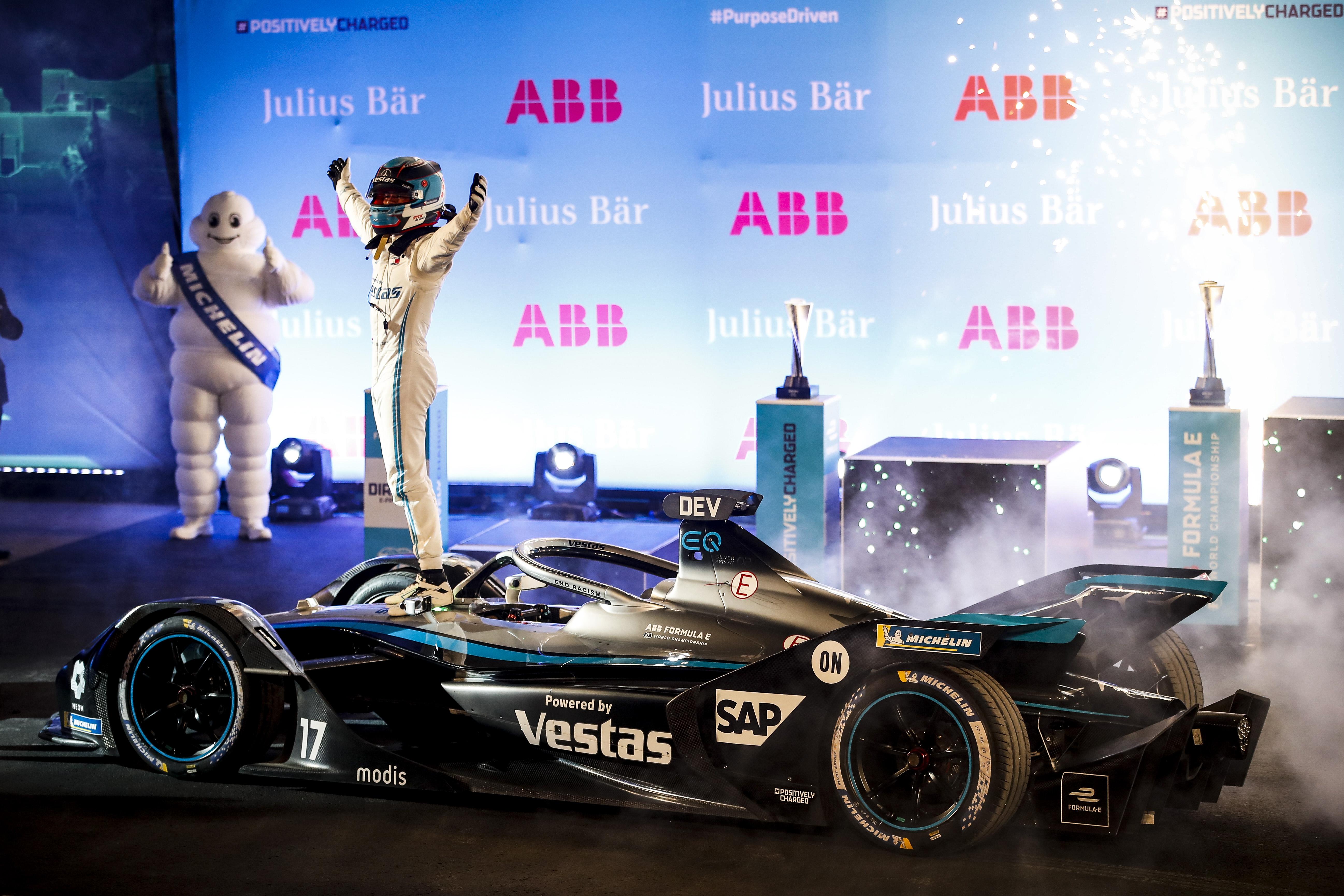 Formula E – Diriyah 1 : De Vries et Mercedes 1er vainqueurs en 2021